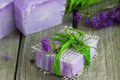 Drei Stangen handgemachte natürliche Seife Lizenzfreies Stockfoto