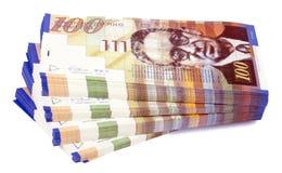 Lokalisiertes 100 NIS-Rechnungs-Stapel-Treppenhaus Stockbild