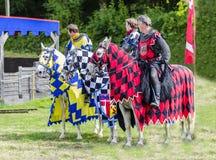Drei Tudor Knights auf Pferden Lizenzfreie Stockbilder