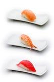 Drei Typen Sushi: Lachse, Garnele und Thunfisch Stockbilder