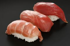 Drei Typen Thunfischsushi, japanische Nahrung Stockbilder