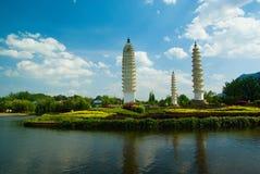Drei weiße Türme der Bai-ethnischen Minderheit Lizenzfreies Stockfoto