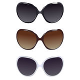 Drei weibliche Paare Sonnenbrille lizenzfreie stockfotos