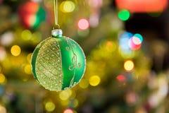 Drei Weihnachtskugeln getrennt auf Weiß Lizenzfreie Stockfotografie