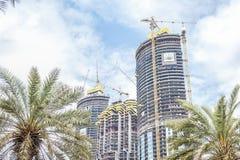 Drei Wolkenkratzer im Bau in Dubai lizenzfreie stockbilder