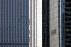 Drei Wolkenkratzer - Nahaufnahme lizenzfreie stockfotos