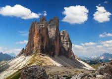 Drei Zinnen或Tre Cime与美丽的云彩的di Lavaredo 免版税图库摄影