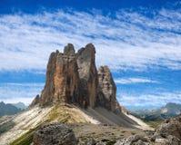Drei Zinnen或Tre Cime与美丽的云彩的di Lavaredo 库存图片