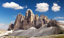 Drei Zinnen或Tre Cime与美丽的云彩的di Lavaredo 免版税库存照片
