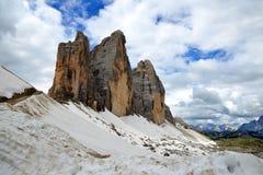 Drei Zinnen或Tre Cime di Lavaredo在Sextener Dolomiten 图库摄影