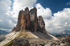Drei Zinnen lub Tre Cime Di Lavaredo z piękną chmurą Obrazy Stock