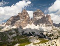 Drei Zinnen lub Tre Cime Di Lavaredo z pięknym niebem Obrazy Stock