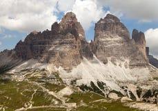 Drei Zinnen oder Tre Cime di Lavaredo mit schönem Himmel Lizenzfreies Stockfoto