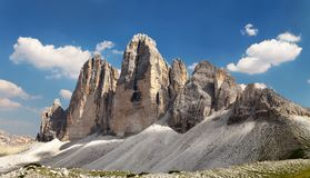 Drei Zinnen ou Tre Cime di Lavaredo avec le beau nuage Photo stock