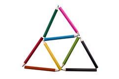Dreiecke von Bleistiftfarben auf einem weißen backgroiund Stockbilder
