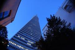 Dreieckiges Gebäude Lizenzfreies Stockfoto