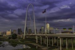 Dreiheits-Brücke bei Dallas Texas Stockfotografie