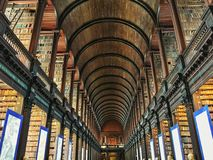 Dreiheits-College-Bibliothek Dublin Ireland stockbild