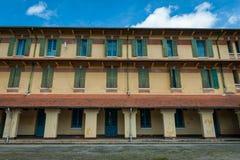 Dreistöckiges Gebäude in Vietnam Stockfoto