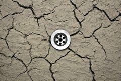Dren del agua en suelo seco Fotografía de archivo