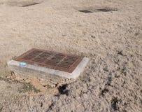 Drenażowy kanalizacja dekiel zdjęcie stock