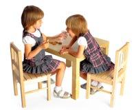 Drenaje de los gemelos de las muchachas Imagenes de archivo