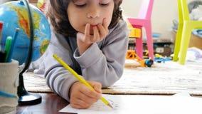 Drenaje de los niños en hogar
