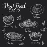 Drenaje tailandés de la tiza de la comida en tablero negro foto de archivo