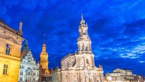 Dresda, Germania Città Vecchia alla notte fotografia stock libera da diritti