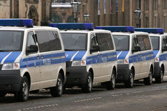 Dresde, 13 février - véhicules de police allemands Photos libres de droits