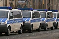 Dresden, 13 Februari - Duitse politiewagens Royalty-vrije Stock Foto's