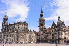 DRESDEN, ALEMANHA - EM MAIO DE 2017: Centro do Dresden - cidade velha, lugar de reis da residência do castelo Residenzschloss de  imagens de stock