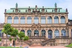 DRESDEN, ALEMANHA - EM MAIO DE 2017: Complexo do palácio e do parque de Zwinger em Dresden Dresden Art Gallery, Alemanha fotos de stock royalty free