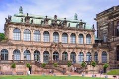 DRESDEN, ALEMANHA - EM MAIO DE 2017: Complexo do palácio e do parque de Zwinger em Dresden Dresden Art Gallery, Alemanha foto de stock