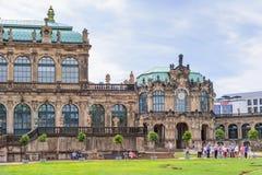 DRESDEN, ALEMANHA - EM MAIO DE 2017: Complexo do palácio e do parque de Zwinger em Dresden Dresden Art Gallery, Alemanha imagens de stock royalty free