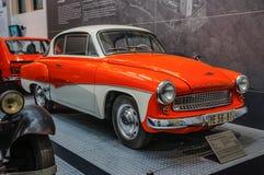 DRESDEN, ALEMANIA - EL AMI 2015: Cupé 300 196 de IFA Wartburg Type 311 Foto de archivo libre de regalías
