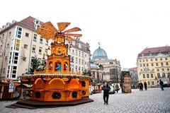 Dresden, Alemania, el 19 de diciembre de 2016: Mercado de la Navidad Dresden, Alemania Celebración de la Navidad en Europa Foto de archivo libre de regalías