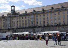Dresden, 28 Augustus: Market Place van Dresden in Duitsland Stock Afbeeldingen