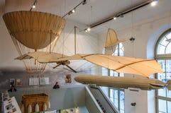 DRESDEN, DUITSLAND - MAI 2015: oude vliegende die machine op wordt gebaseerd Royalty-vrije Stock Foto's