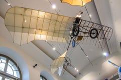DRESDEN, DUITSLAND - MAI 2015: oude vliegende machine met propell Stock Foto's