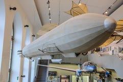 DRESDEN, DUITSLAND - MAI 2015: Zeppelin dirigible luchtschip LZ 1 binnen royalty-vrije stock foto's