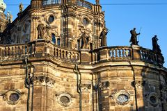 Dresden, Duitsland - oktober 10, 2018: sightseeing van Duitsland Historische gebouwen en straten van Dresden Parkgebieden en vier royalty-vrije stock afbeelding