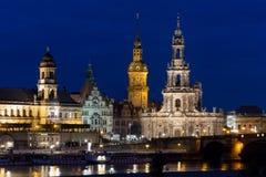Dresden em a noite imagem de stock
