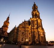 dresden German Zakończenie katedra Święta trójca Hofkirche przy półmrokiem lub Obrazy Royalty Free