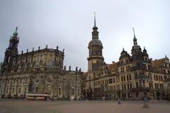 Dresden-Kathedrale und -schloss lizenzfreies stockbild