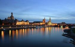 Dresden por noche en el agua Foto de archivo