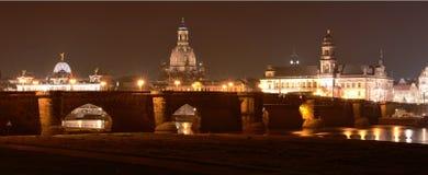 Dresden Sachsen, Tyskland på natten Royaltyfri Bild