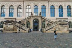 Dresden transportmuseum på den fyrkantiga Neumarkten Royaltyfri Foto