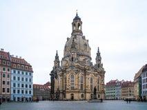 22 01 2018 Dresden, Tyskland - kyrkliga Frauenkirche i det molnigt Royaltyfria Foton