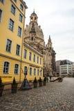 22 01 2018 Dresden, Tyskland - kyrkliga Frauenkirche i det molnigt Arkivbild